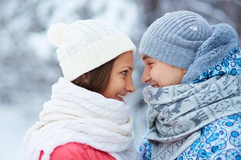 winter-10-must-products-couples-hug